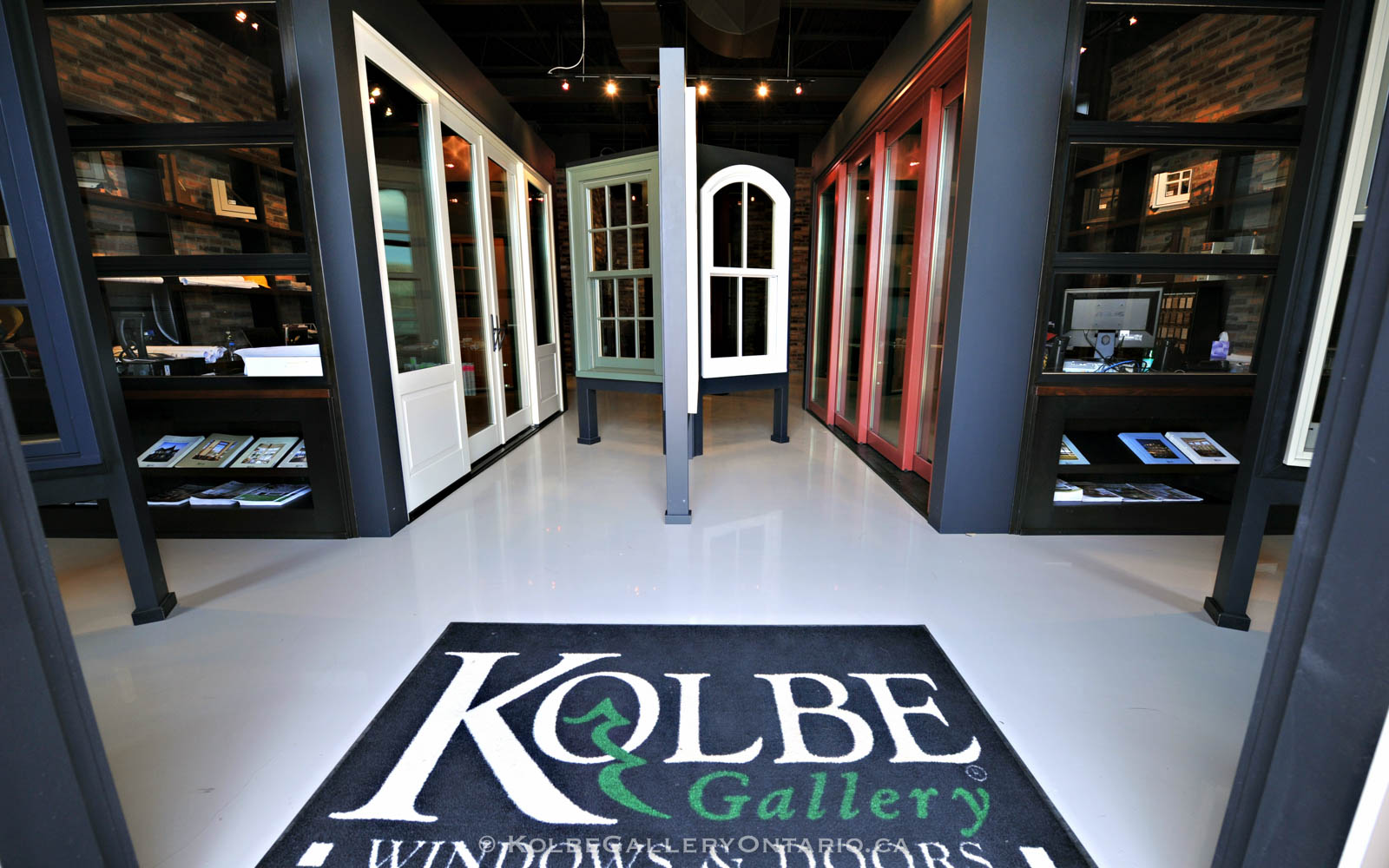 KolbeGalleryOntario.ca-windows-and-doors-Oakville-showroom-20120510-100052
