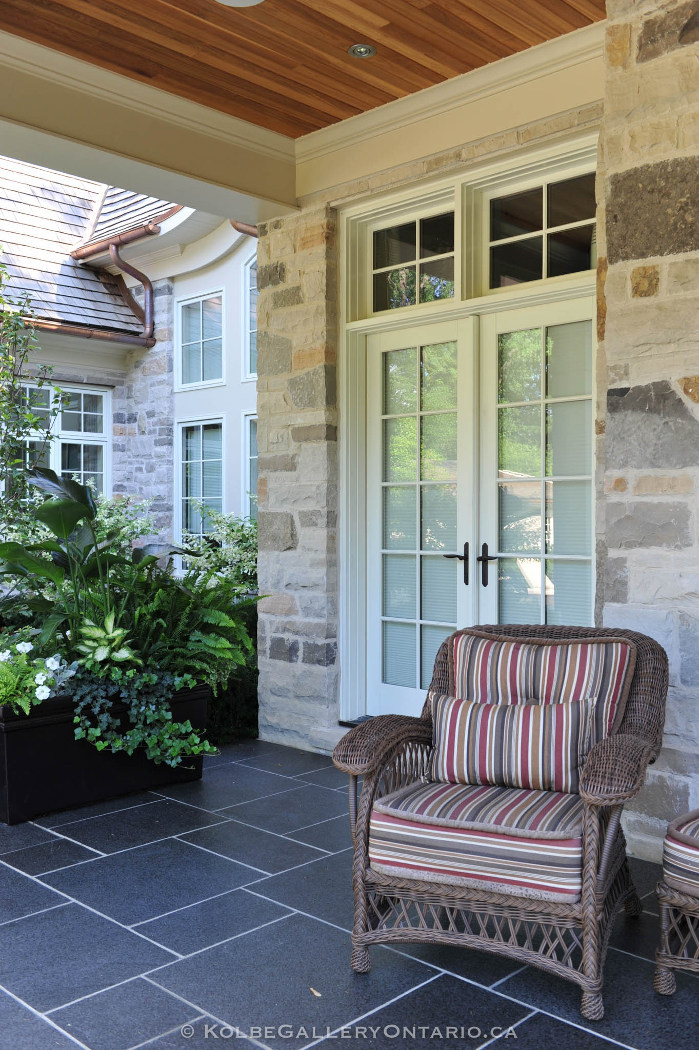 KolbeGalleryOntario.ca-windows-and-doors---20120727-055915